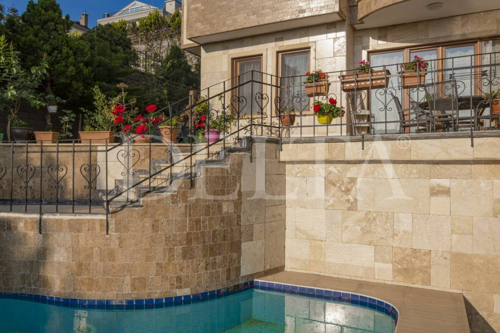 Points to Consider before Purchasing Travertine